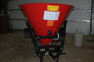 Épandeur sel sable d'engrais et ou semences pour tracteur