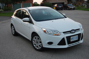 2013 Ford Focus SE Hatchback - AMAZING CONDITION/LOW KM'S!