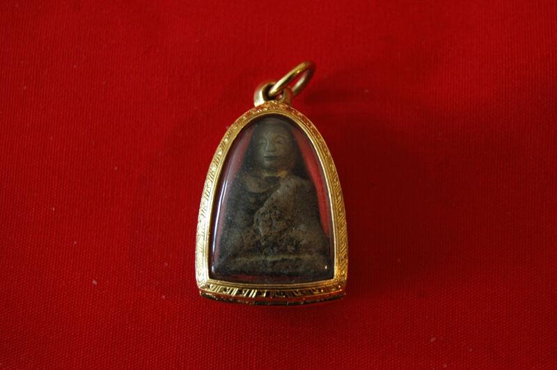 "Rare!!! LP Ngern Thai Guru Monk Amulet ""Roop Lor"""