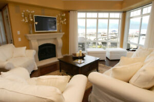 Beautiful Lakefront 4 bdr Town Home