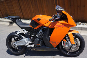 *DISCONTINUED* 2010 KTM 1190 RC8 - Entertaining Trades