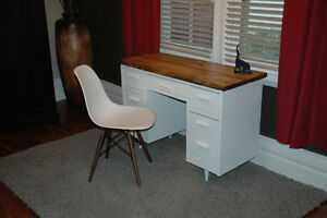 RUSTIX- Vintage desk with barn board top and Eames Chair