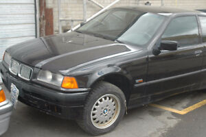 C BMW e36 318ti 1996 M44 4 cylinder with PP hatchback Black on T West Island Greater Montréal image 5
