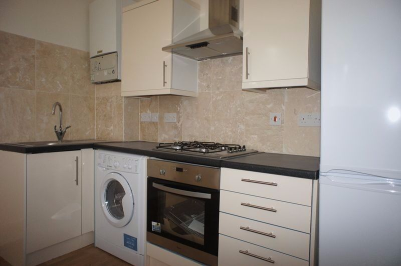A TWO BEDROOM flat for rent next to Tooting Bec Common