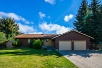 1423 SILVER SANDS Road, Sicamous- Waterfront Prime Location!