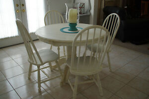 Old White Round Table and 4 Chairs - SOLID WOOD!