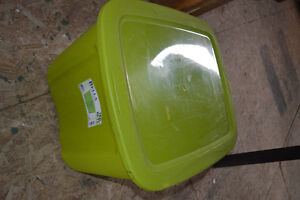 68L tupperware storage container