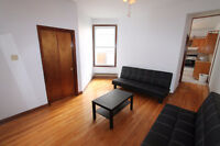 3bdr available in 7 bdr apartment near Mont-Royal!