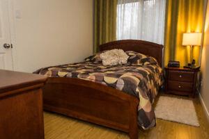 Mobilier de chambre à coucher en bois ( 7 morceaux)