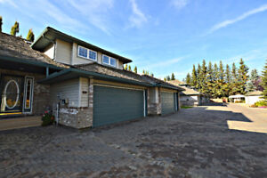 Lovely Condo Located in Wedgewood