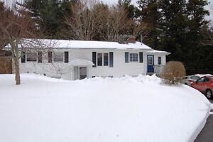 3+2 BD/2 BATH/IN-LAW SUITE/SUN ROOM/MANY UPGRADES IN NEW MINAS