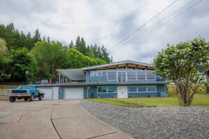 188 Cliffview Drive, Enderby - An Entertainers Dream Home.