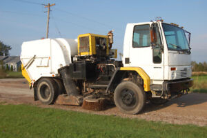 2006 Freightliner FC80 with Tymco 600 BAH