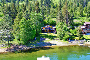 Waterfront cottage on Little Shuswap with 75 year prepaid lease!