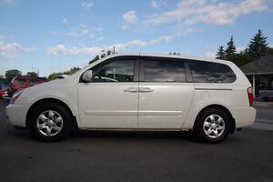 2006 Kia Sedona LX Minivan, Van