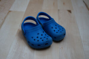 Toddler size 4/5 crocs