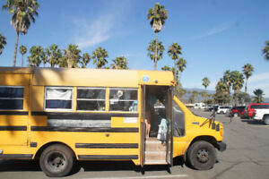 FORD E 350 converted Schoolbus 7.3 litre diesel, 5 seats, 3 beds