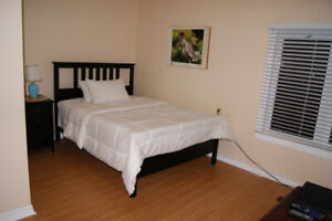 Short-term room rentals close to airport 60$ / day