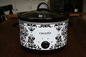Crockpot - 4.5Qt Crock Pot, Brand New!