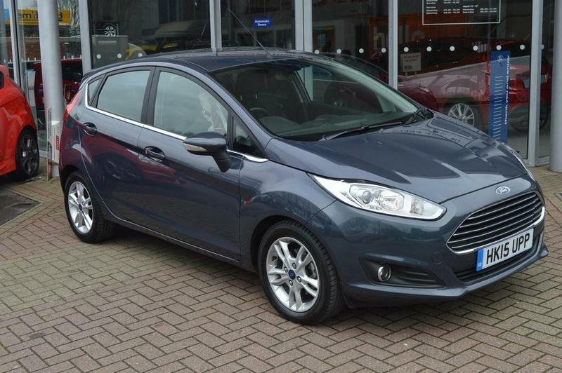 ford fiesta 1 0 ecoboost zetec 5 door powershift automatic grey 2015 in high wycombe. Black Bedroom Furniture Sets. Home Design Ideas