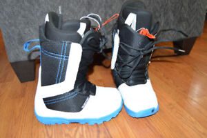 Youth Burton Invader Boots size 6