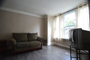 One bedroom apartment on Main floor of House- Port Hope Peterborough Peterborough Area image 3