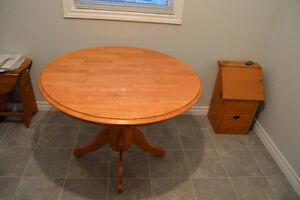 Oak Kitchen Table Sarnia Sarnia Area image 2