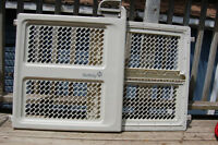 Safety 1st Lift, Lock & Swing Security Gate