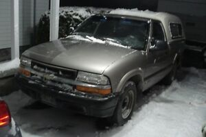 1998 Chevrolet S-10 base  4 cyl