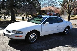 1997 Buick Riviera Coupe (2 door)
