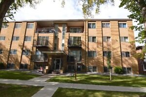 Riverview Manor - 2 bdr-2 min Walk to LRT - Pick Your Incentive!