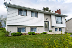 15 Pernix Crt - Ready to move in! Quick move in rental incentive