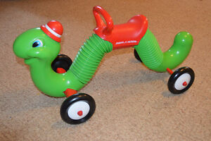 Radio Flyer Bouncing Ride-on Inch Worm