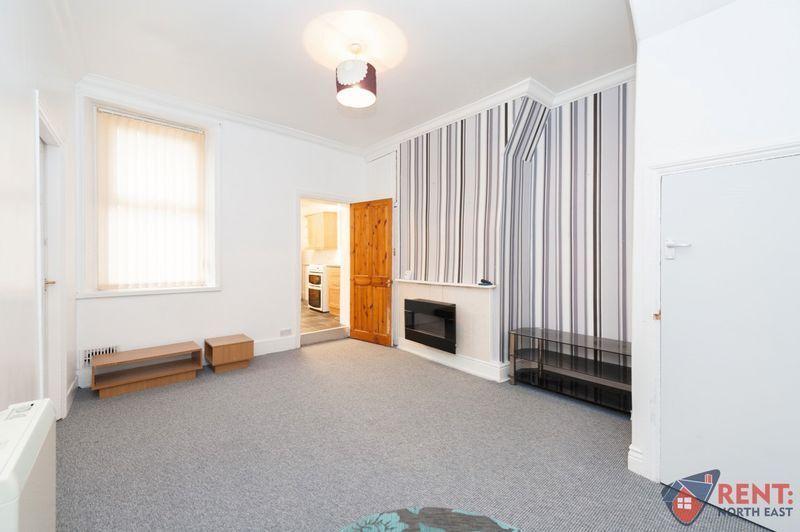 2 bedroom flat in Victoria Road, Gateshead, NE8