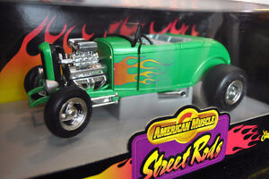 ERTL AMERICAN MUSCLE '32 FORD STREET ROD 7850 GREEN REDUCED !!!