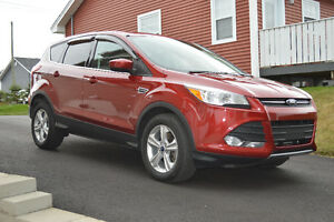2013 Ford Escape SE 50,780 Km with Factory Warranty St. John's Newfoundland image 2