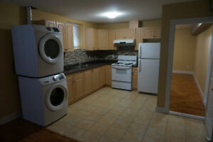 $1300 / 2br - 900ft2 - Spacious! LEGAL 2-bedroom basement suite