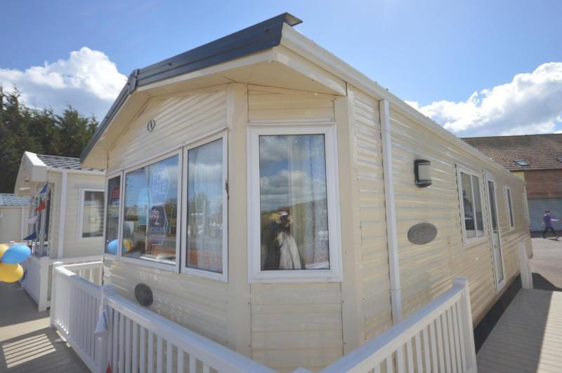 Static Caravan Dawlish Devon 2 Bedrooms 6 Berth BK Seville 2007 Golden Sands