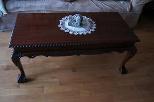 Queen anne style carved coffee table and end tables