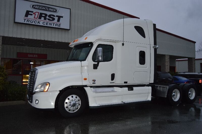 2011 Freightliner Cascadia Price Reduced Heavy Trucks