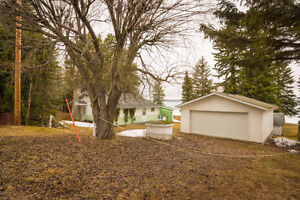 LAKE FRONT COTTAGE - DOUBLE LOT - SUNSETS - SUMMER