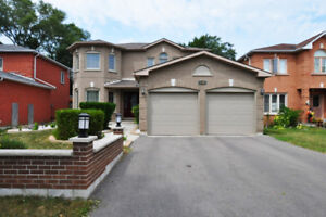 Beautiful Detached Family at Morningside/Lawrence