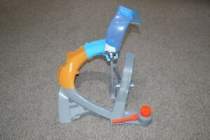 Disney's Planes - Flying Track Set - Comes with Planes - Toys