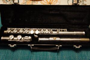 Gemeinhardt Student Flute, excellent condition, like new