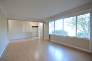 3 Bed 1 Bath Southside by Whyte, Downtown, River - Pet Friendly