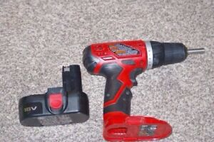 Cordless 18V Skil screw driver with charger
