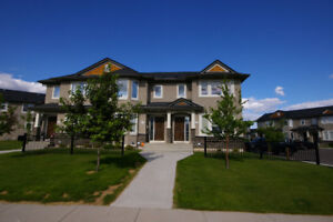 Stonebridge 3 bedroom townhouse - Available October 1 !!