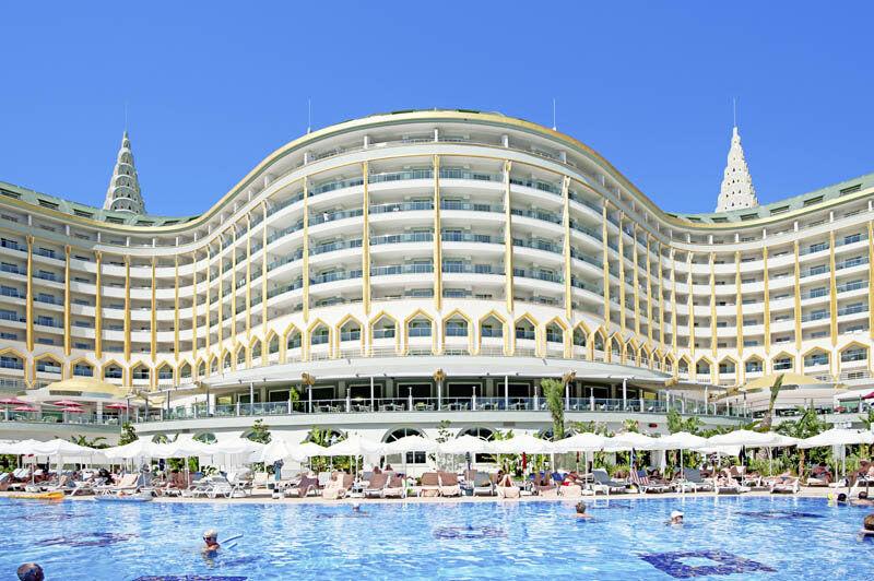 Türkei Urlaub / All-Inklusive Plus / 5***** Delphin Imperial Lara / Zug zum Flug