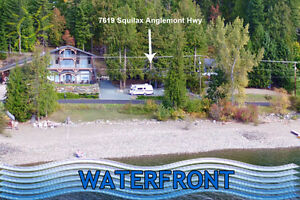 Affordable Shuswap cottage with deeded waterfront!