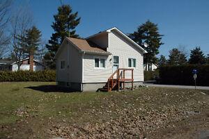 Mini Small House for Rent Gatineau ( Aylmer) Quebec for May 1st